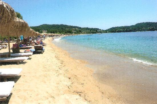 Atrium Hotel: Aghia Paraveski beach