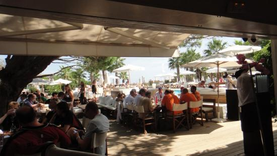 Ramatuelle, France: racers are enjoy the lunch