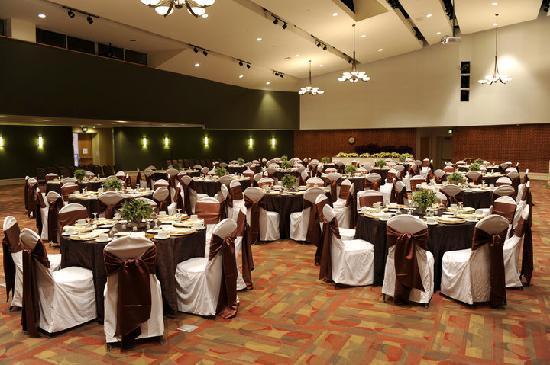 University of Georgia Center for Continuing Education & Hotel: Mahler Auditorium