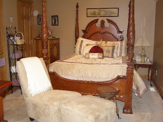 Scottish Bed & Breakfast: Antique Suite