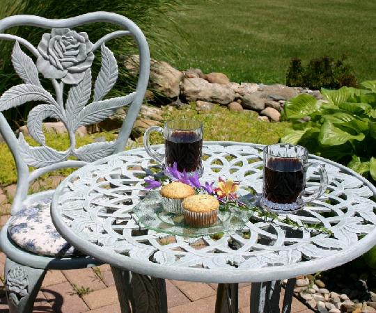 Scottish Bed & Breakfast: King Suite private Garden Patio
