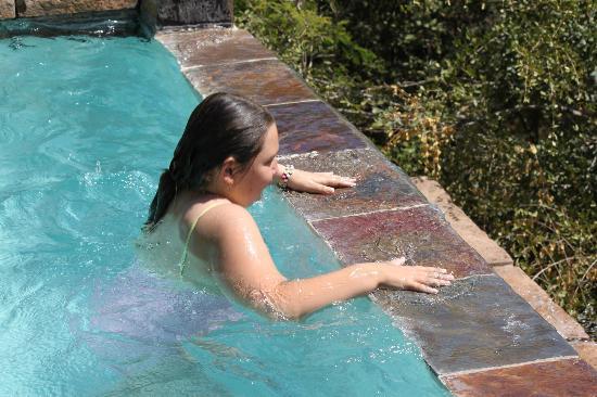 Bushwise Safaris: Beautiful pool with a beautiful view