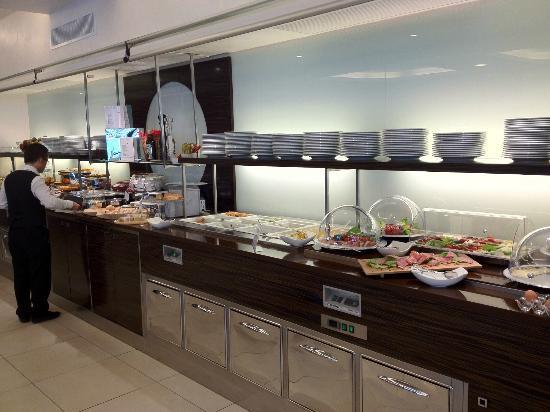 Aqua Hotel: sala colazione