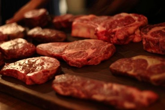 Steer Bar & Grill: Meat on display for you to choose from
