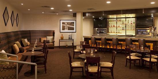 Sheraton Ann Arbor Hotel: Share Small Plate Bistro & Wine Bar