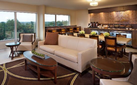 Sheraton Ann Arbor Hotel: Sheraton Club Lounge