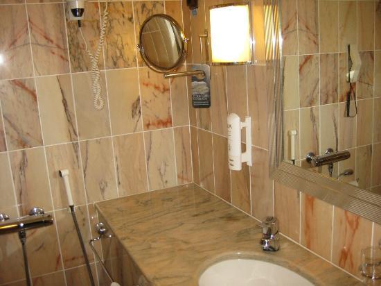 Scandic Jyvaskyla: Bathroom II