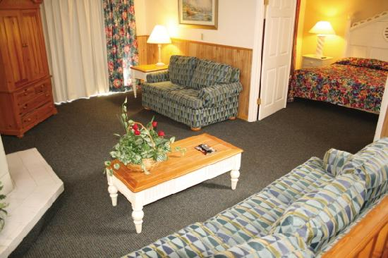 Bryan's Spanish Cove: Living Room