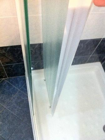 Residence Verona Class: anta doccia completamente staccata