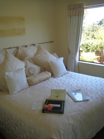 Bellbird Lodge: Rosewood Suite - Sleeping Room