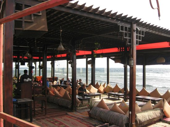 Where to Eat in Dahab: The Best Restaurants and Bars