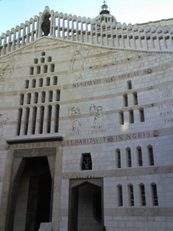 Casa Nova Hospice: la Basilica dell'Annunciazione proprio davanti la struttura