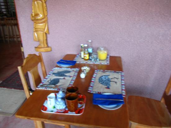 The Farm Inn: Breakfast setting