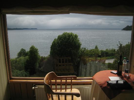 Hotel Elun: View of Lake Llanquihue from room