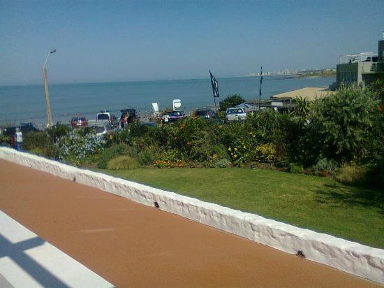 La Posta Del Cangrejo: Vista Punta del este