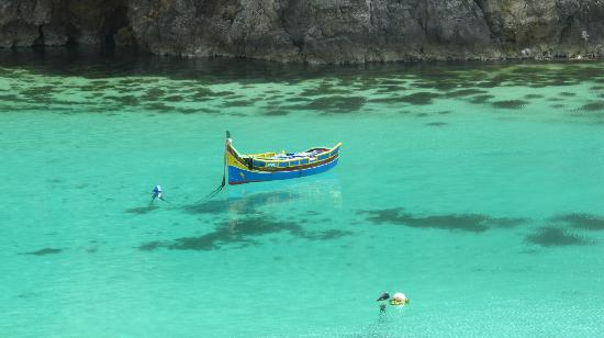 Popeye Village Malta: cool waters, looks like the boat is floating in the air.