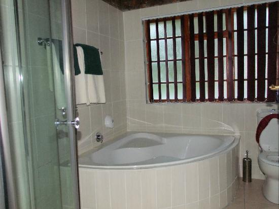 Swallows Nest Country Cottages: bagno