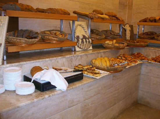Jacaranda Club & Resort: viele frische Brotsorten