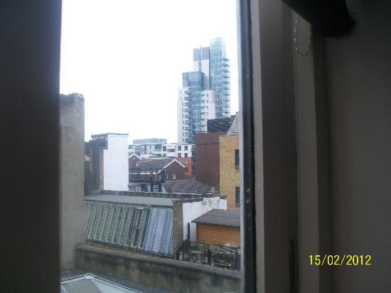 St Christopher's Village London Bridge: Vista dalla camera
