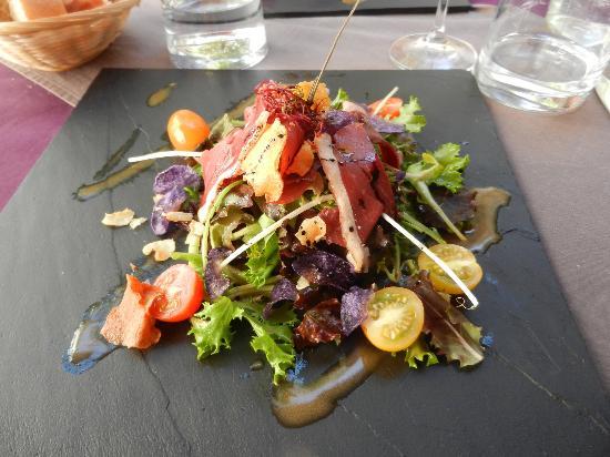 O 2 Là : Salad with ham