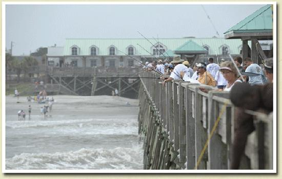 Lazy Hours Motel on the Beach: Pier Fishing