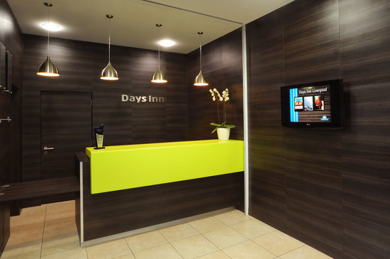 Days Inn Liverpool City Centre: The reception area