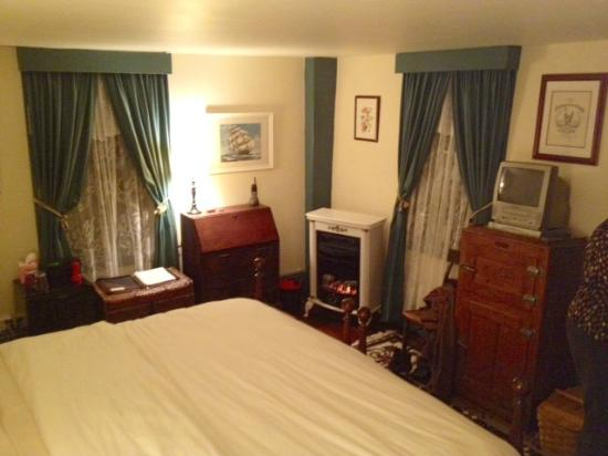 Another Second Penny Inn: Noyes Room