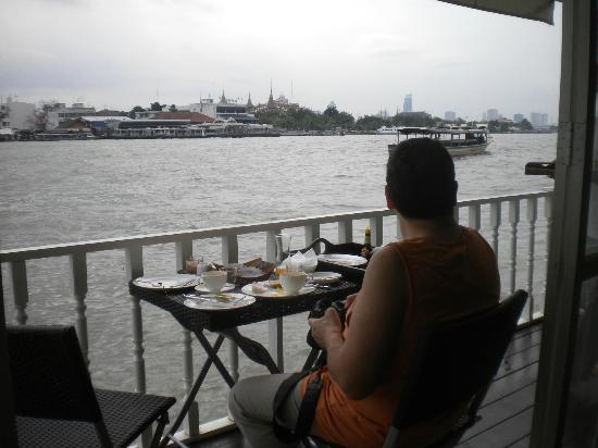 Ibrik Resort by the River: Petit déjeuner au bord du Chao Praya
