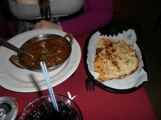 Taste of India: Chicken tikka massala with cheese nan