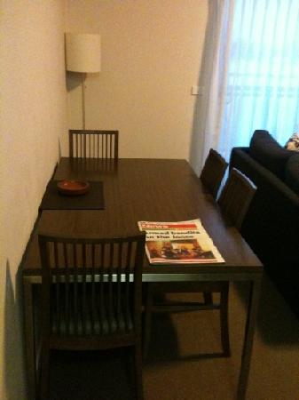 Quest Shepparton: Dining table 1BR Apartment