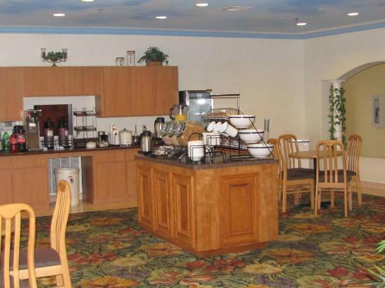 Comfort Inn & Suites Seabrook: Comfort Inn & Suites, Seabrook, breakfast area