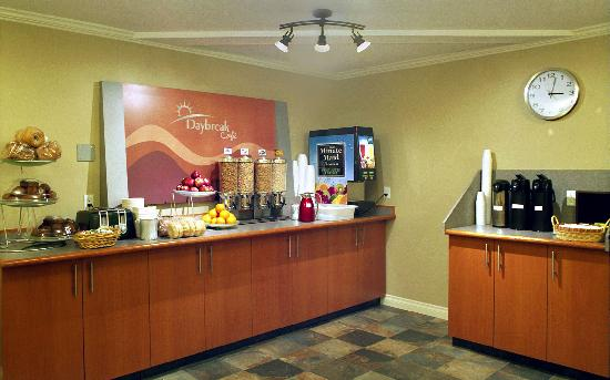 Days Inn Nanaimo Harbourview: Complementary Days Break Cafe