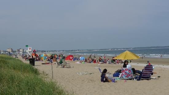 Kebek 2 Motel: les gens sur la plage, dans les vacances