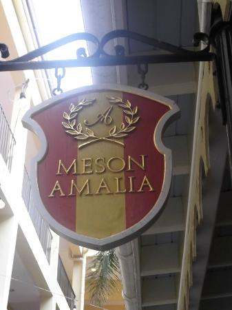 Amalia Cafe : Look for the sign as you walk down the walkway