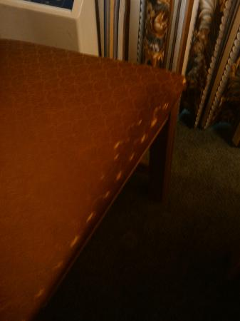 Country Inn & Suites By Carlson, West Valley City: worn chairs
