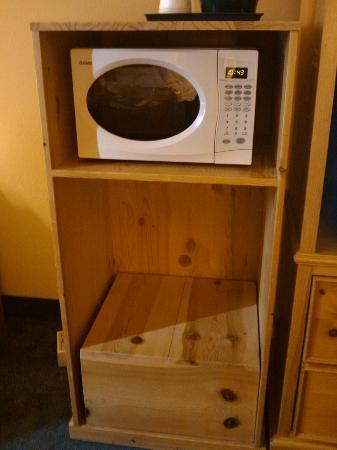 Country Inn & Suites By Carlson, West Valley City: where's my fridge?