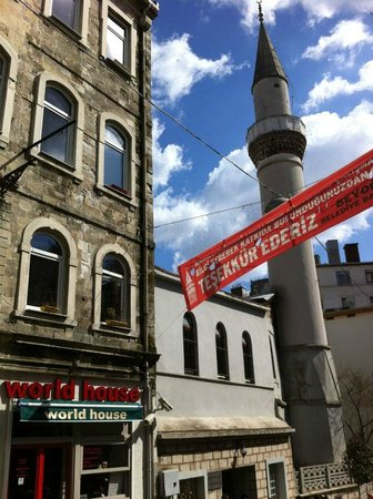 World House Istanbul: World House hostel beside Mosque, Istanbul, Turkey
