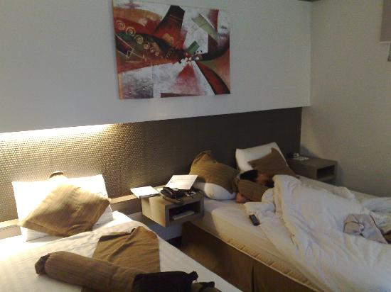 Magallanes Square Hotel: The executive room has both double and single beds