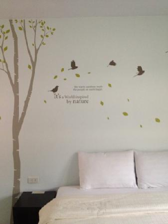 Dozy House: cool wall designs