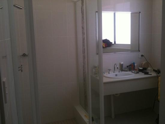 The Bellview: brand new bathroom with a great shower