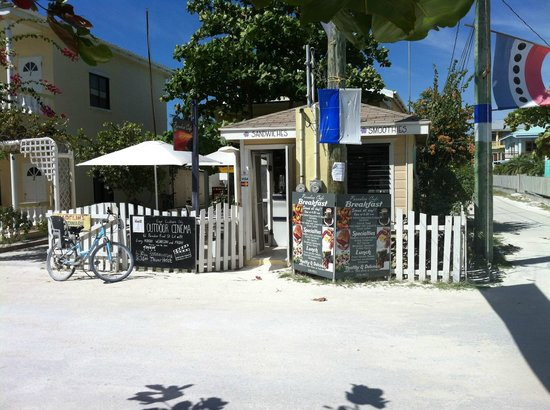 Paradiso Cafe: This little shack makes some good eats