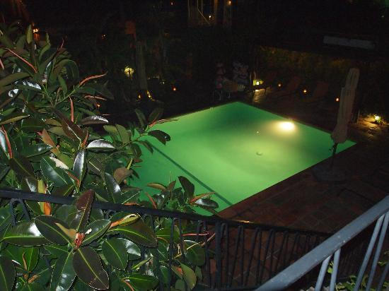 Hotel California: Pool in the evening