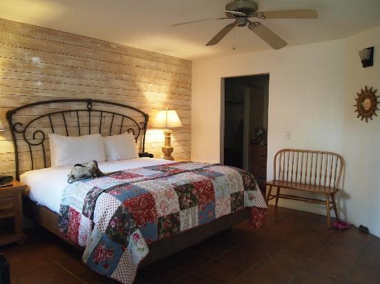 Hotel California: Room 4