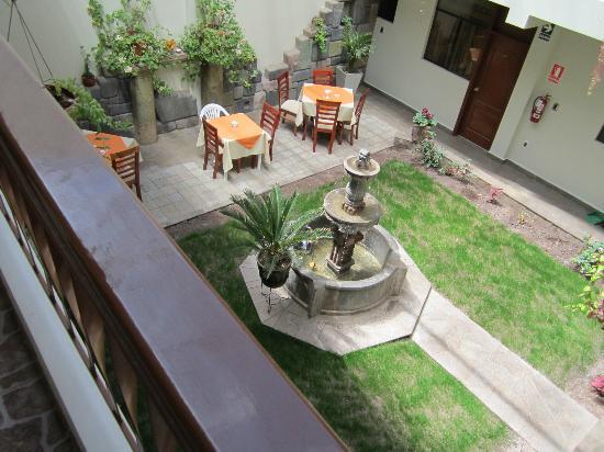 Antawasi Hotel : Terraza interna
