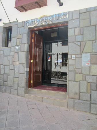 Antawasi Hotel : Entrada del hotel