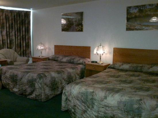 Western Budget Motel Leduc #1: Beds