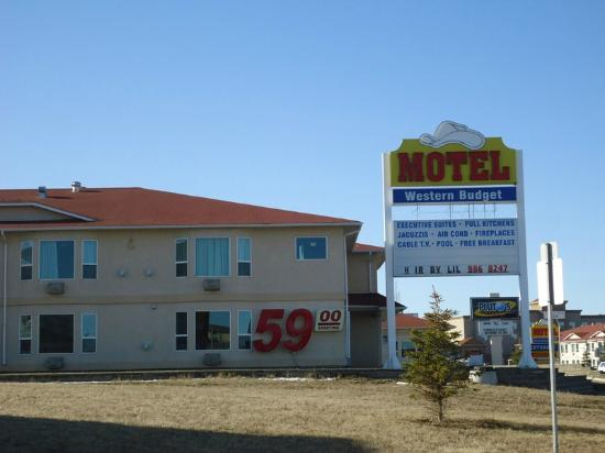 Leduc, Canada: outside the motel