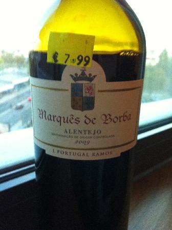 Hotel Açores Lisboa: A great local wine!