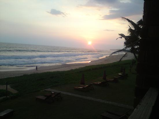Koggala, Sri Lanka : View from our balcony at sunset
