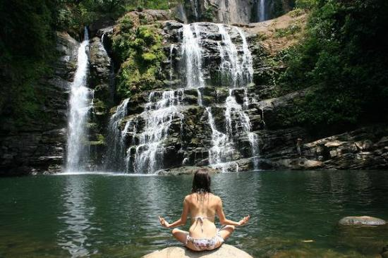 Cascadas Farallas Waterfall Villas: Yoga pose in front of the waterfall we hiked to